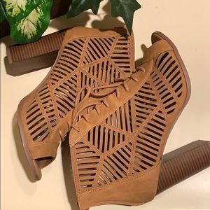 Shoes - Chunky Heel Sandals
